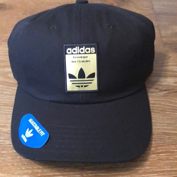 6bd32f9ea0c adidas Originals Relaxed base strapback